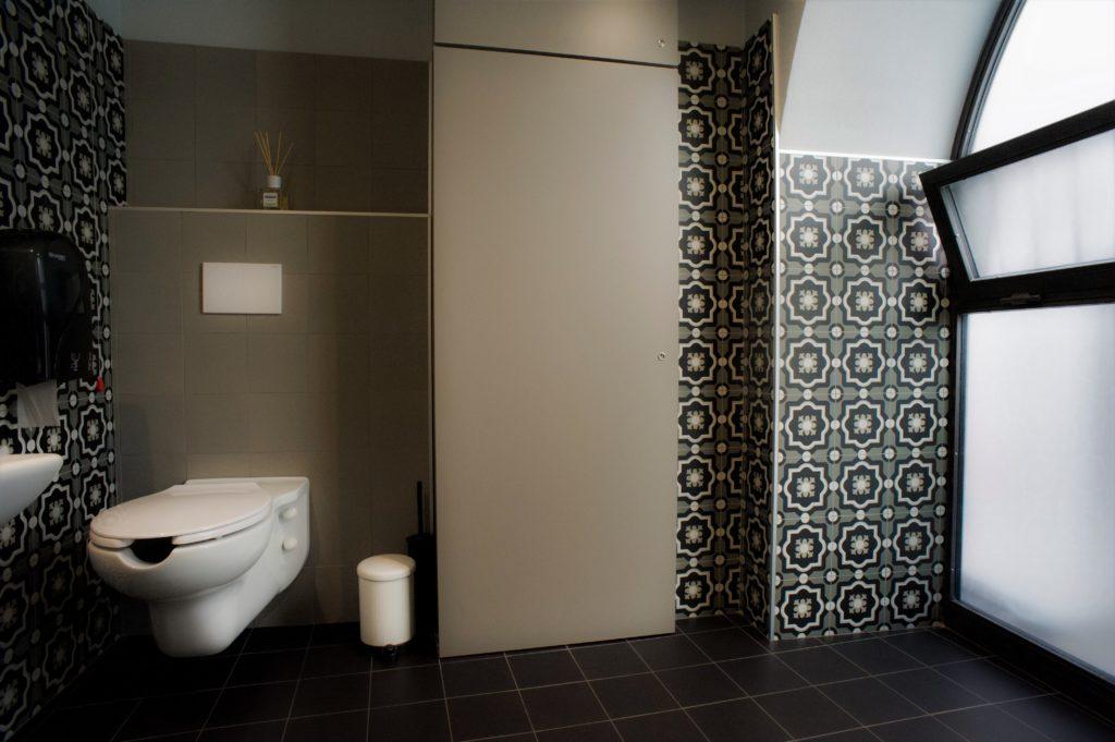 messapi - bathroom